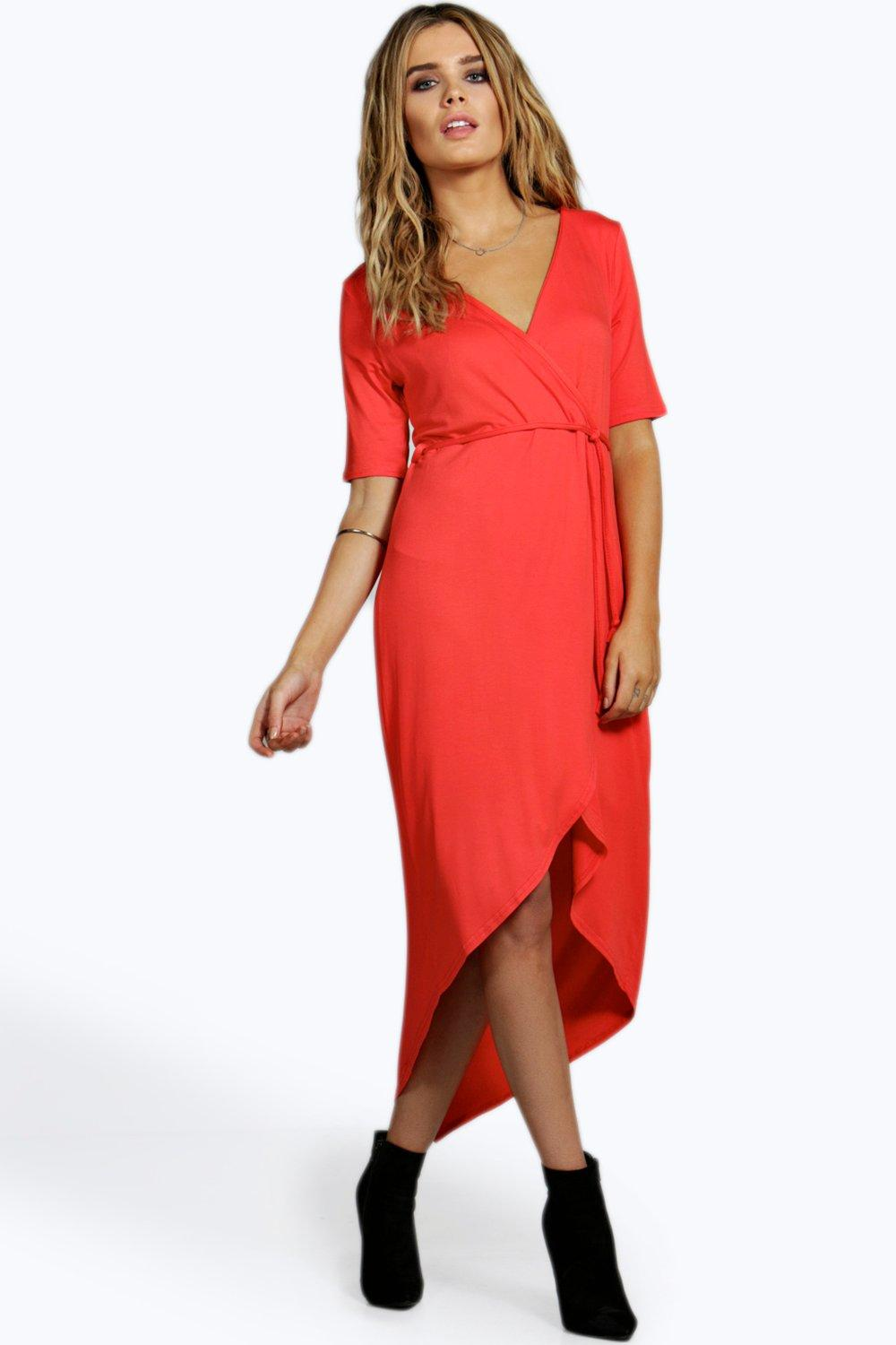 Shop dresses for women at New York & Company. Choose from our formal, casual, and work collections, including maxi, lace, high low and more.