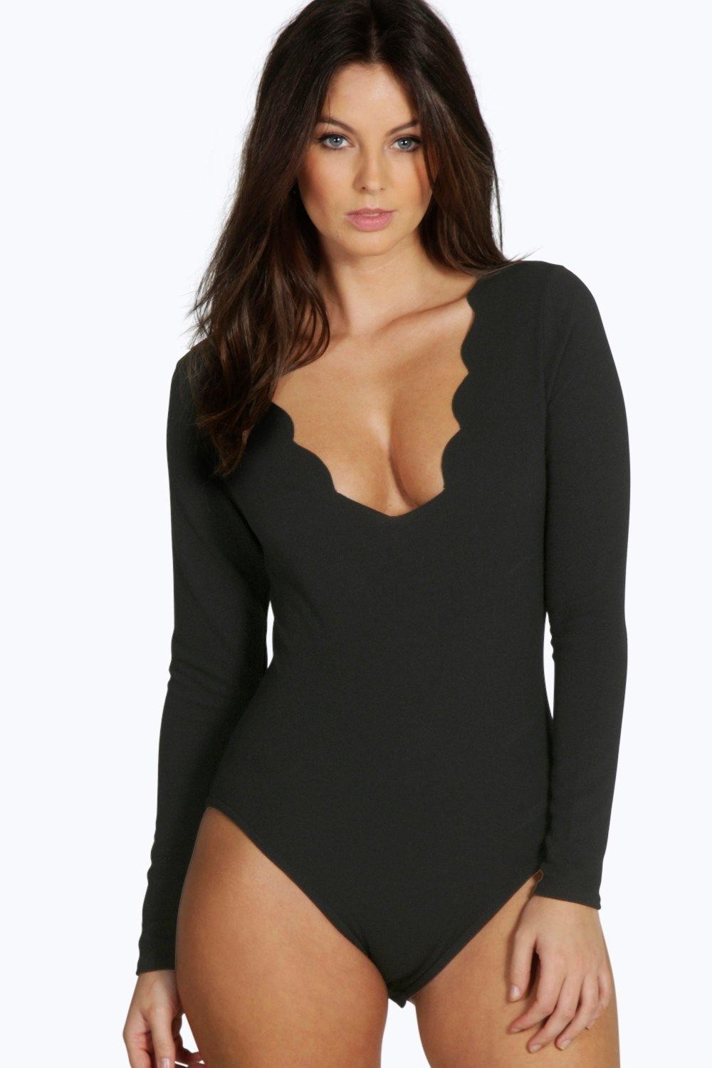 Heidi Scallop Plunge Long Sleeve Body