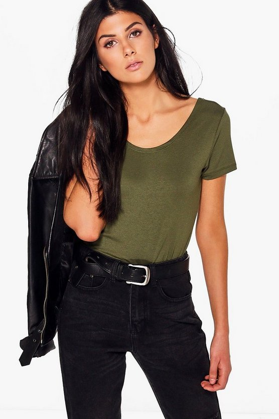 Tia Basic Scoop Neck Short Sleeved Tee