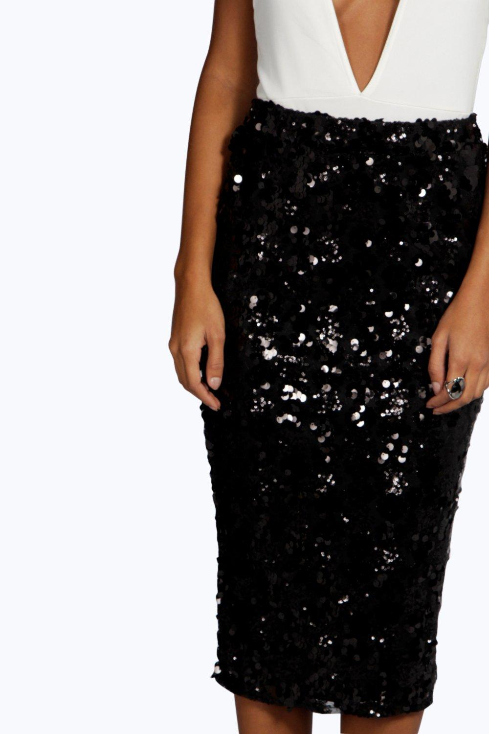 About Sequin Skirts. You are set for a night out with your friends and realize that a little more sparkle never hurt anybody. Whether you find yourself dancing in a club or having a drink on the rooftop, a sequin skirt is a solid choice that will ensure all eyes land on you.