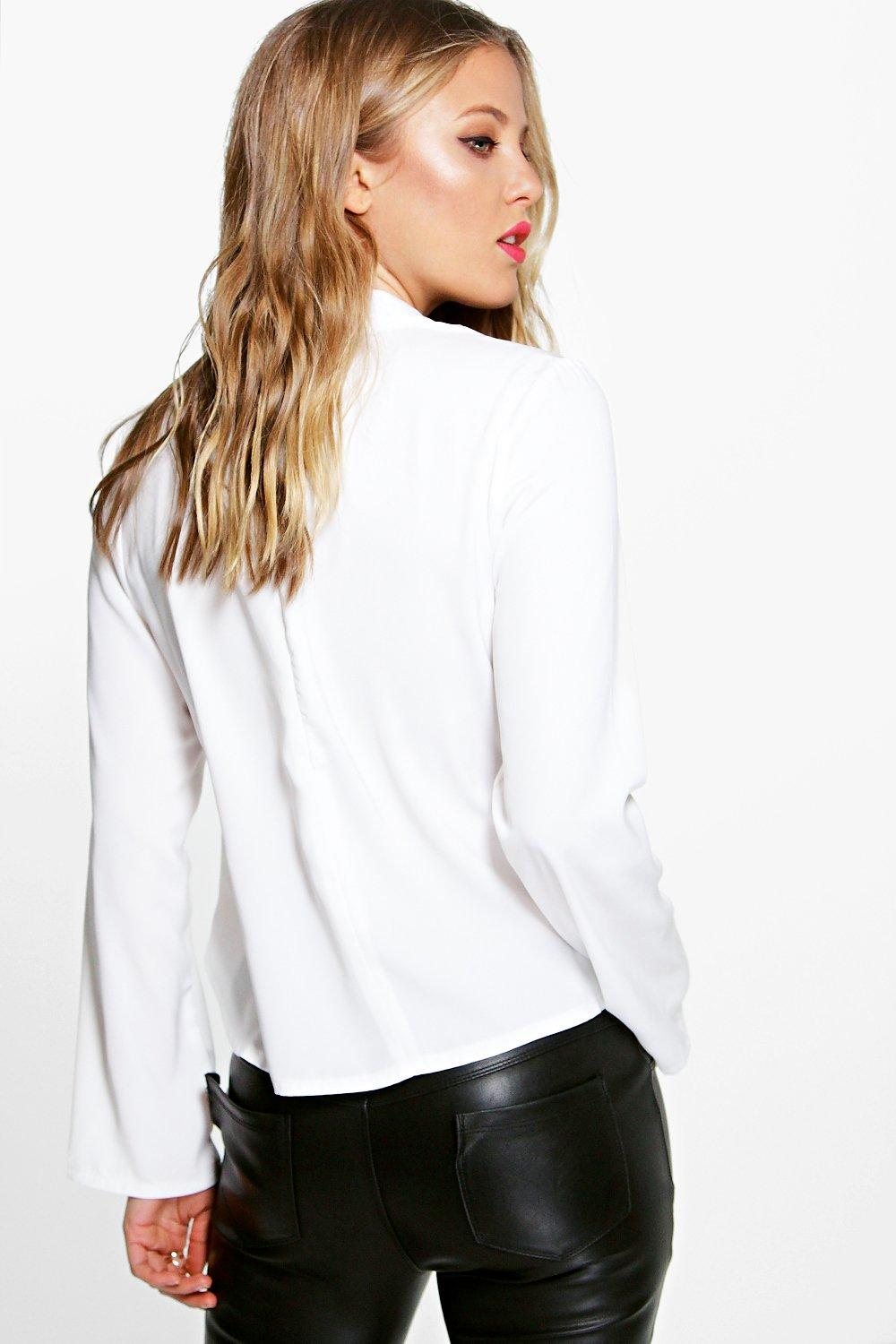 Boohoo una open back detail long sleeve blouse pour femme for Long sleeve open shirt