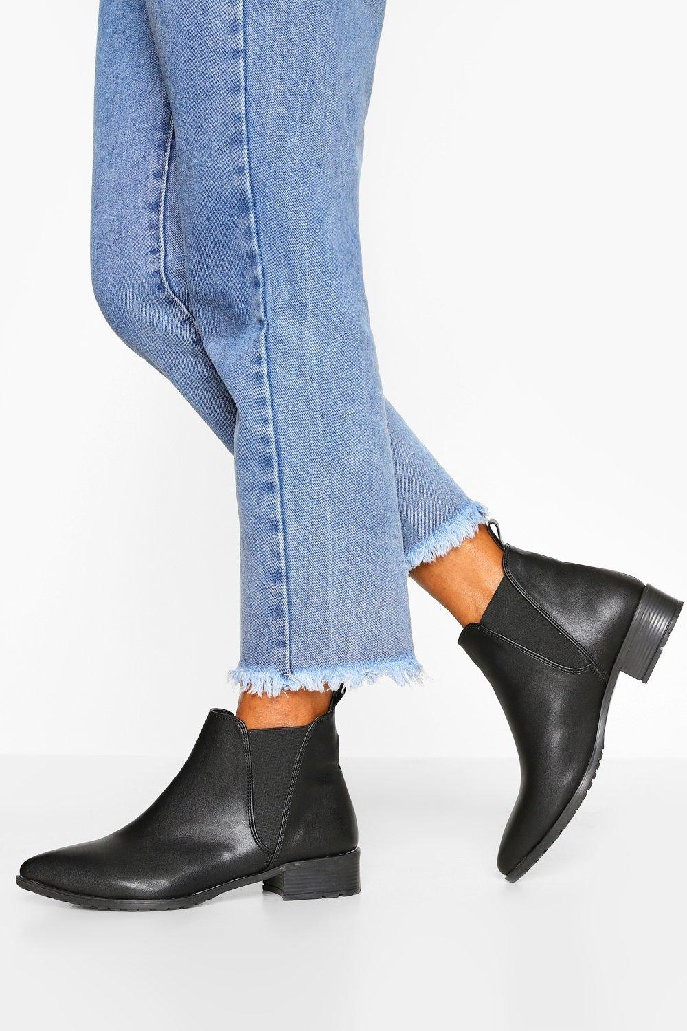 boohoo Pointed Flat Chelsea Boot