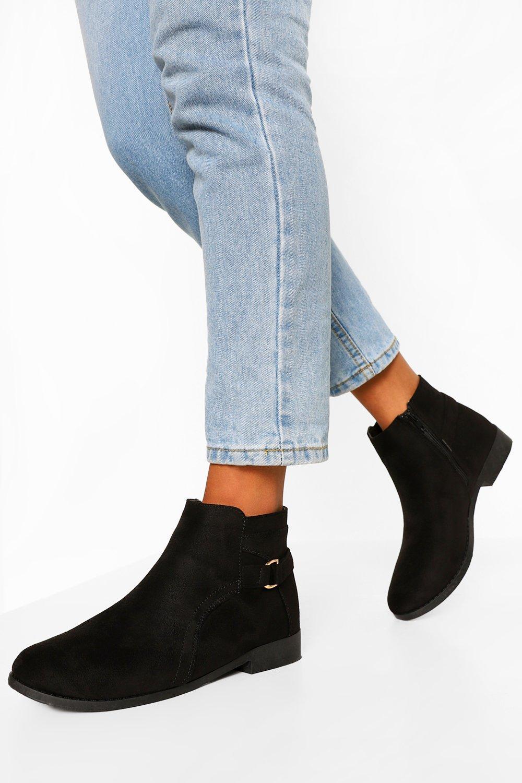 boohoo D Ring Flat Chelsea Boots