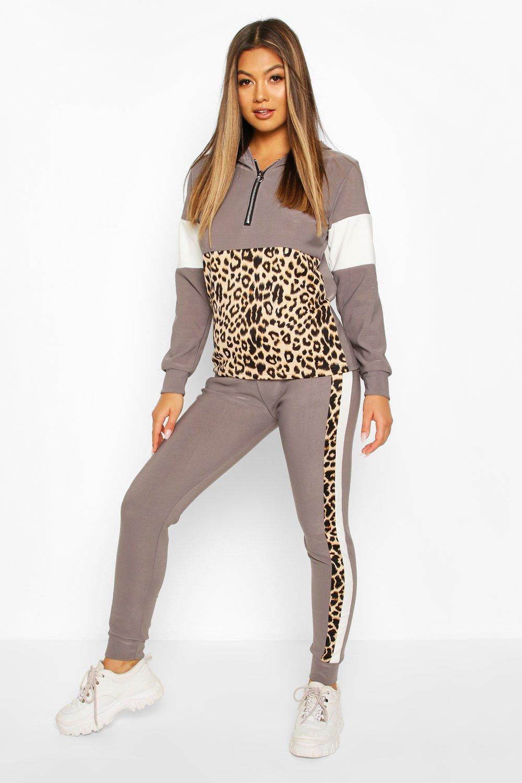 Womens Set aus Jogginghose mit Animal-Print und halbem Reißverschluss - grau - S/M, Grau - Boohoo.com