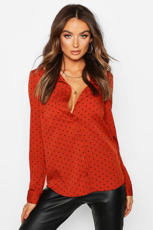 Womens Gepunktetes, langärmeliges Hemd mit Knopfleiste - Rostbraun - S, Rostbraun - Boohoo.com