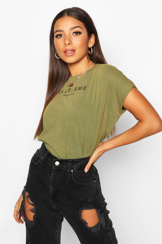 Womens T-Shirt mit überschnittenen Schultern, Acid-Waschung und französischem Slogan - khaki - 40, Khaki - Boohoo.com