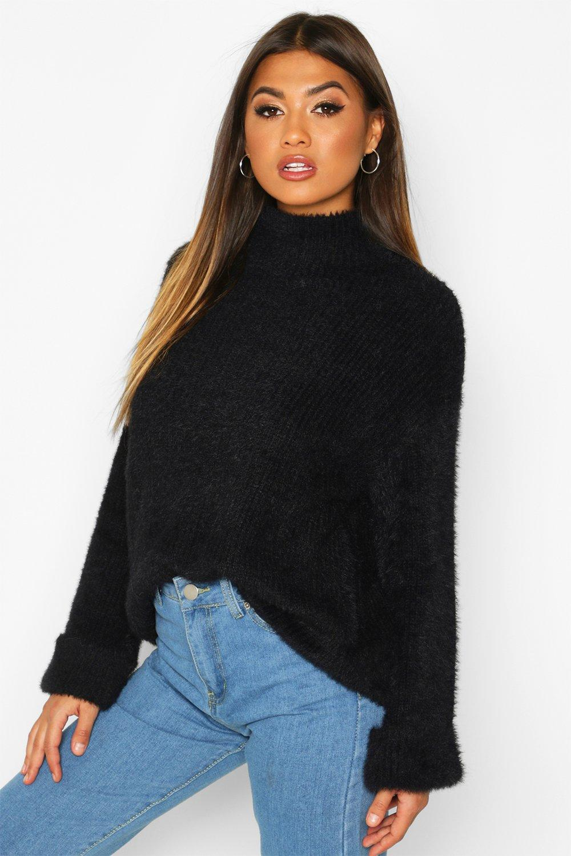 Womens Flauschiger Pullover mit V-Ausschnitt und umgeschlagenem Bündchen - schwarz - S, Schwarz - Boohoo.com