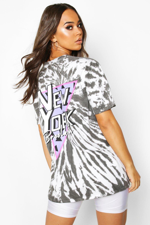 """Womens Batik-T-Shirt mit """"Brooklyn""""-Rückenprint - anthrazit - S, Anthrazit - Boohoo.com"""