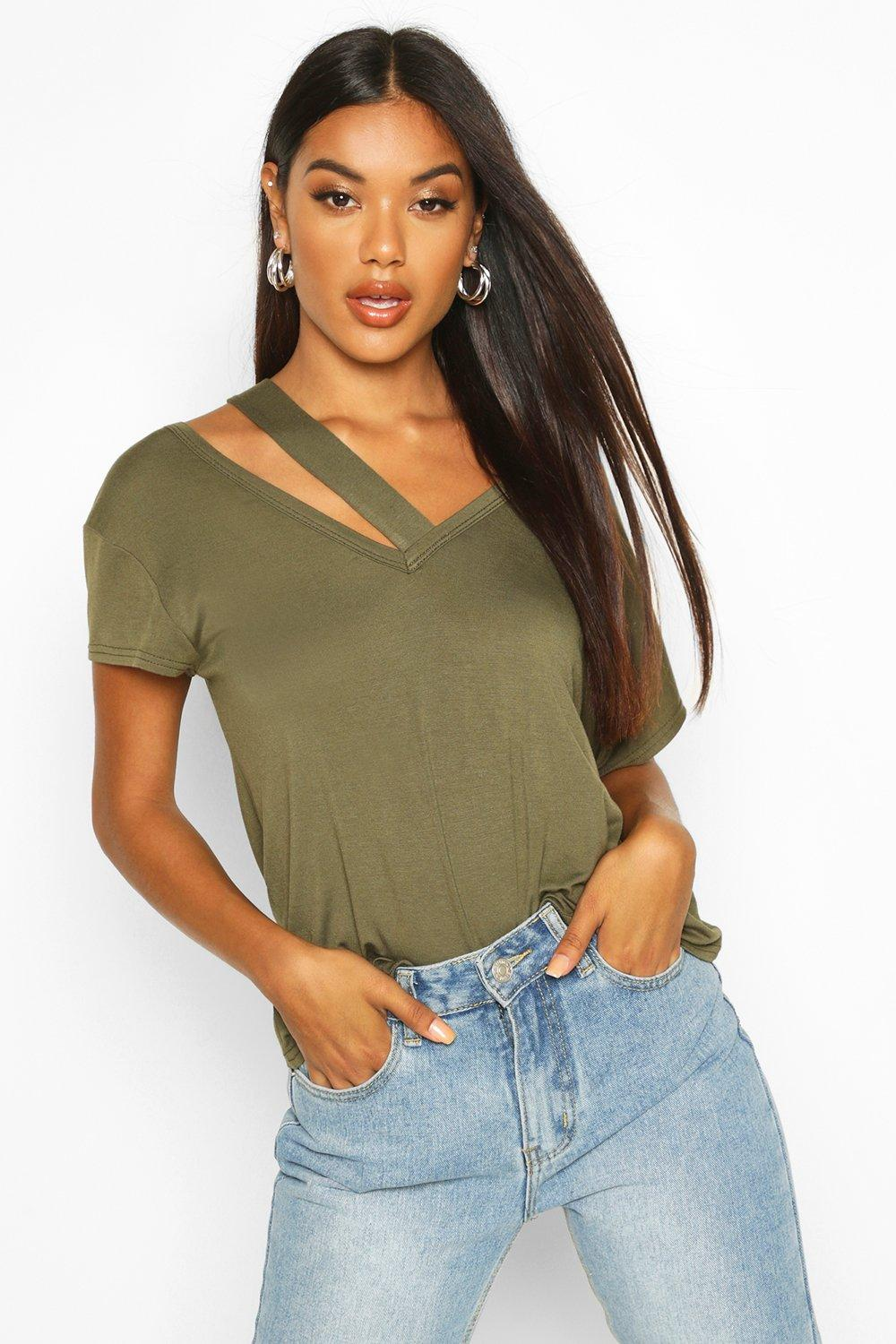 Womens T-Shirt mit Cut-Out - khaki - 34, Khaki - Boohoo.com