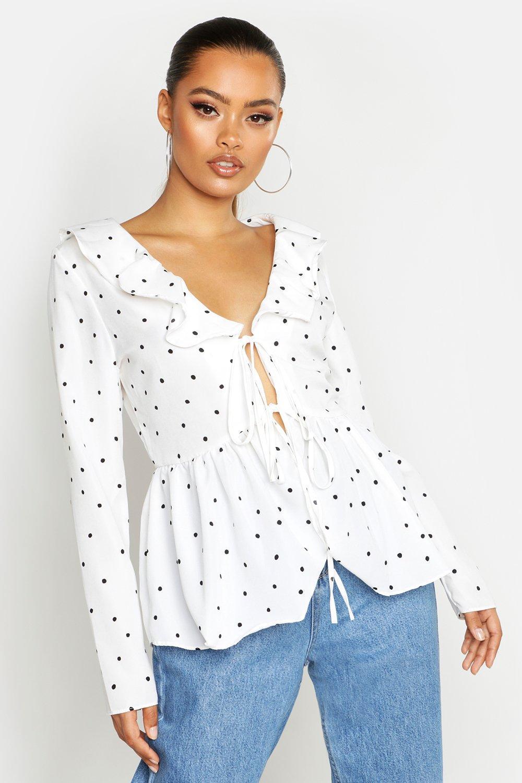 Womens Bluse mit geraffter Front, Punktmuster und Schößchen - Weiß - 38, Weiß - Boohoo.com