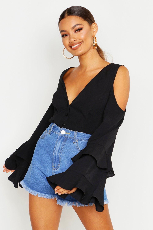 Womens Cold-Shoulder Bluse mit Trompetenärmeln - schwarz - 32, Schwarz - Boohoo.com