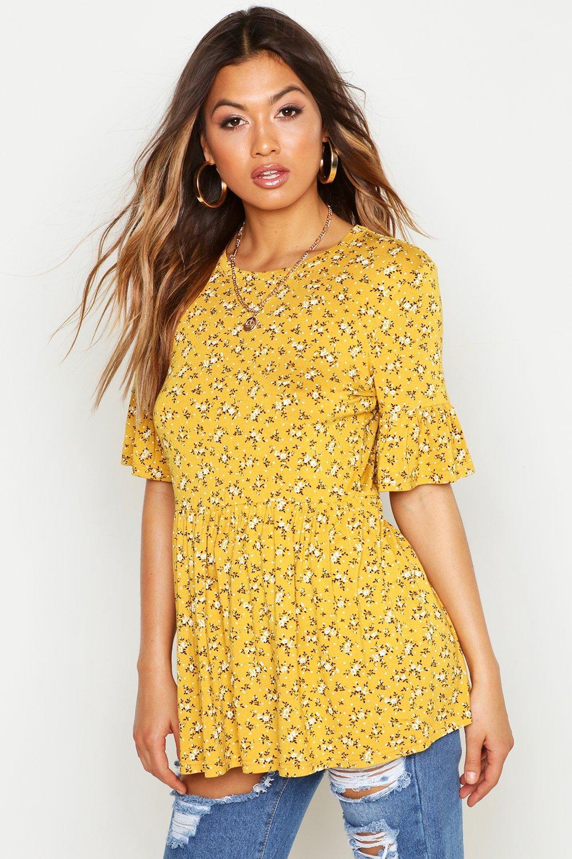 Womens T-Shirt mit Rüschenärmeln und Streublumenmuster - senfgelb - 32, Senfgelb - Boohoo.com