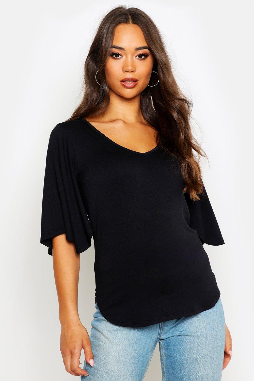 Womens Basic-T-Shirt mit V-Ausschnitt und Trompetenärmeln - schwarz - 36, Schwarz - Boohoo.com