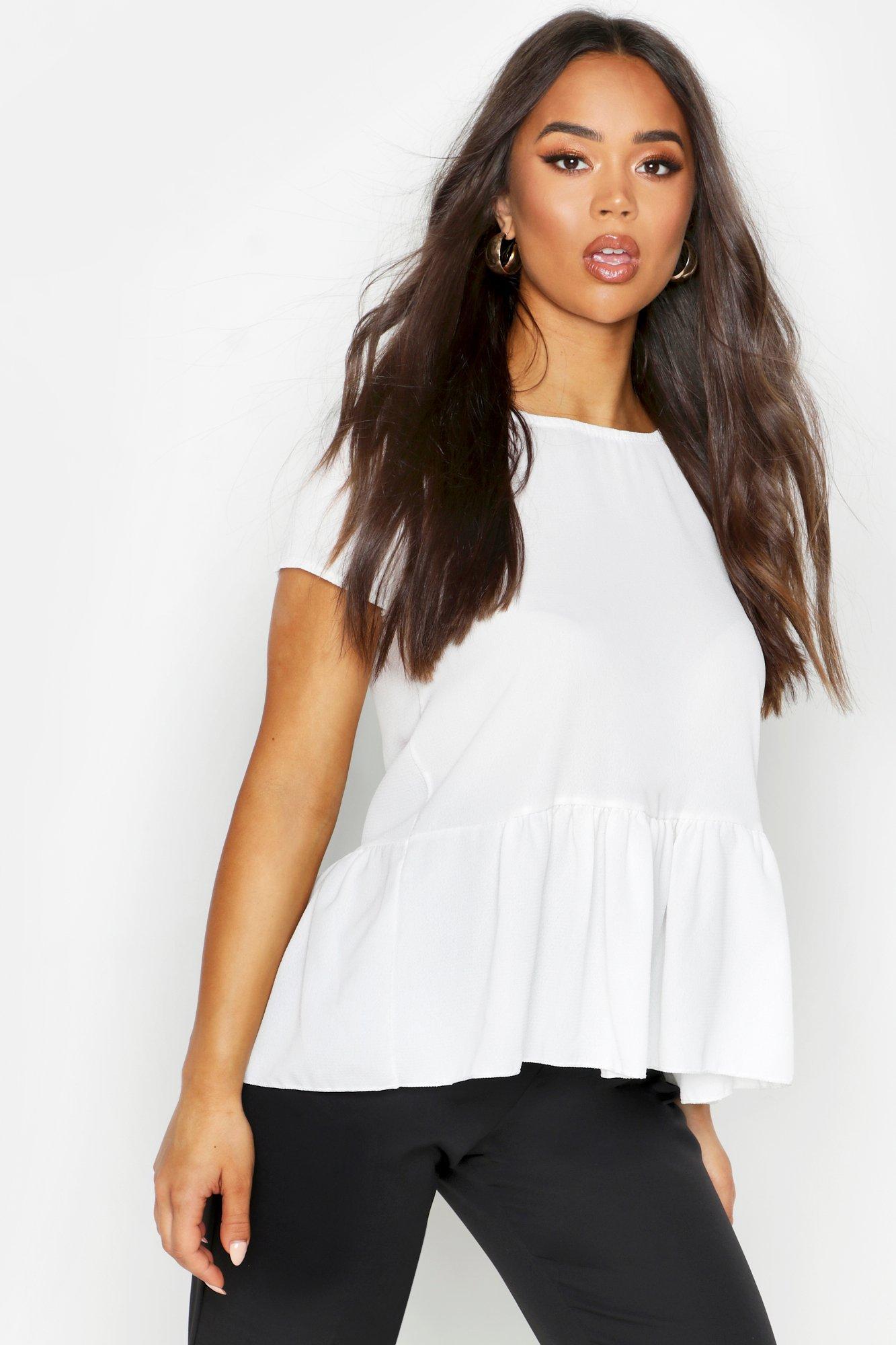 Womens Kurzärmelige Bluse mit Schößchensaum - Weiß - 38, Weiß - Boohoo.com