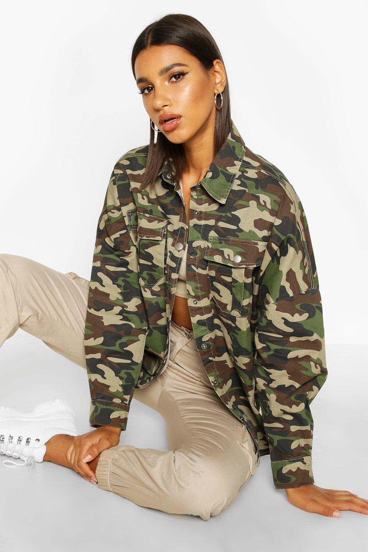 Womens Oversized-Jeanshemd mit Camouflage-Print - S, Camouflage - Boohoo.com