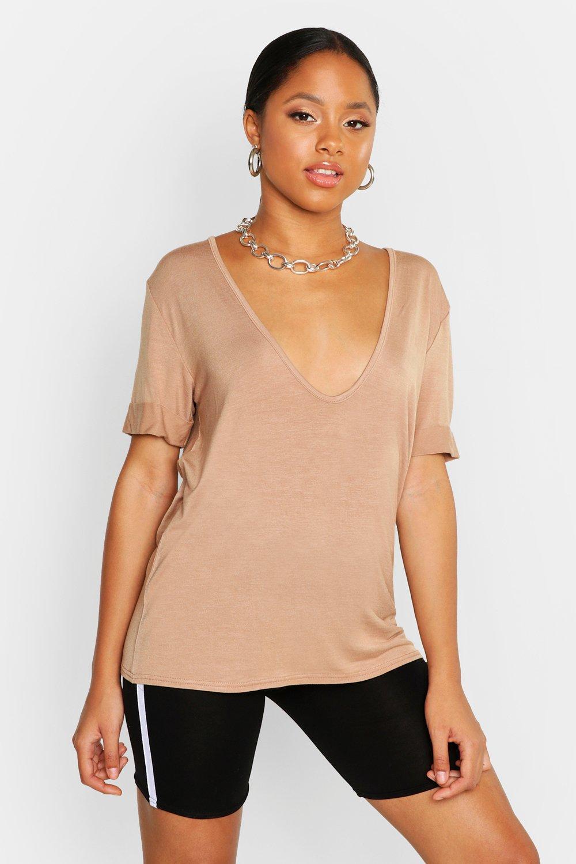 Womens T-Shirt mit tiefem Ausschnitt - Karamell - 34, Karamell - Boohoo.com
