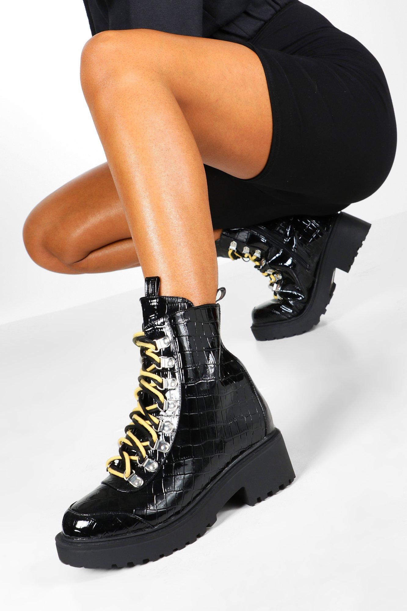 boohoo Womens Croc Double Lace Chunky Hiker Boots - Black - 5, Black