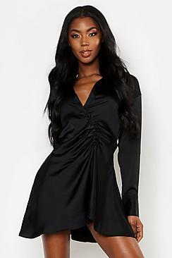 Blusenkleid aus Satin mit Rüschendetail und Knöpfen an den Ärmeln - Boohoo.com