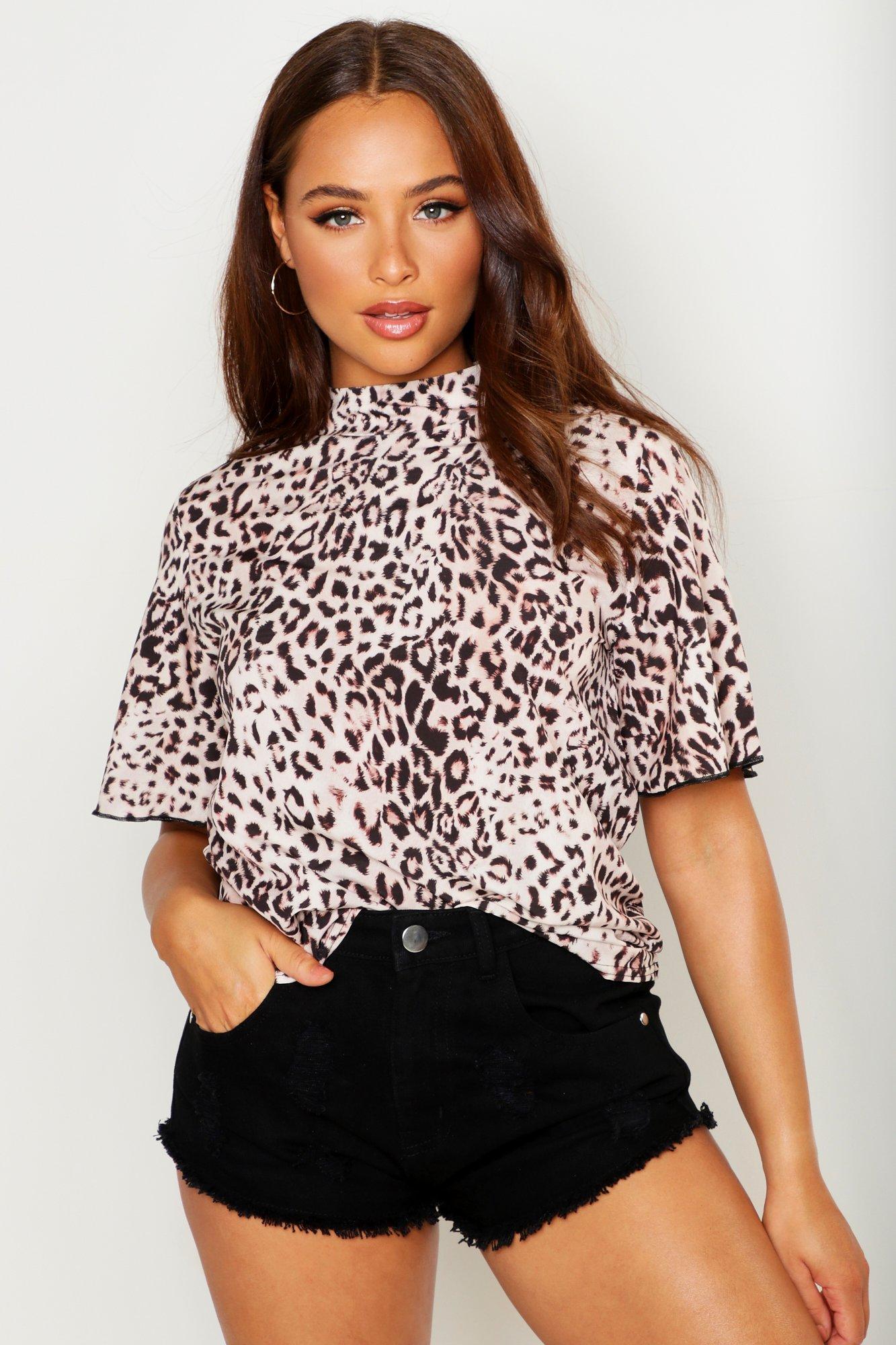 Womens Gewebte Trainingsjacke mit Engelsärmeln in Leopardenmuster - Beige - 32, Beige - Boohoo.com