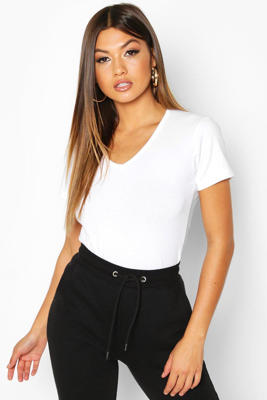 Womens T-Shirt mit V-Ausschnitt - white - 36, White - Boohoo.com