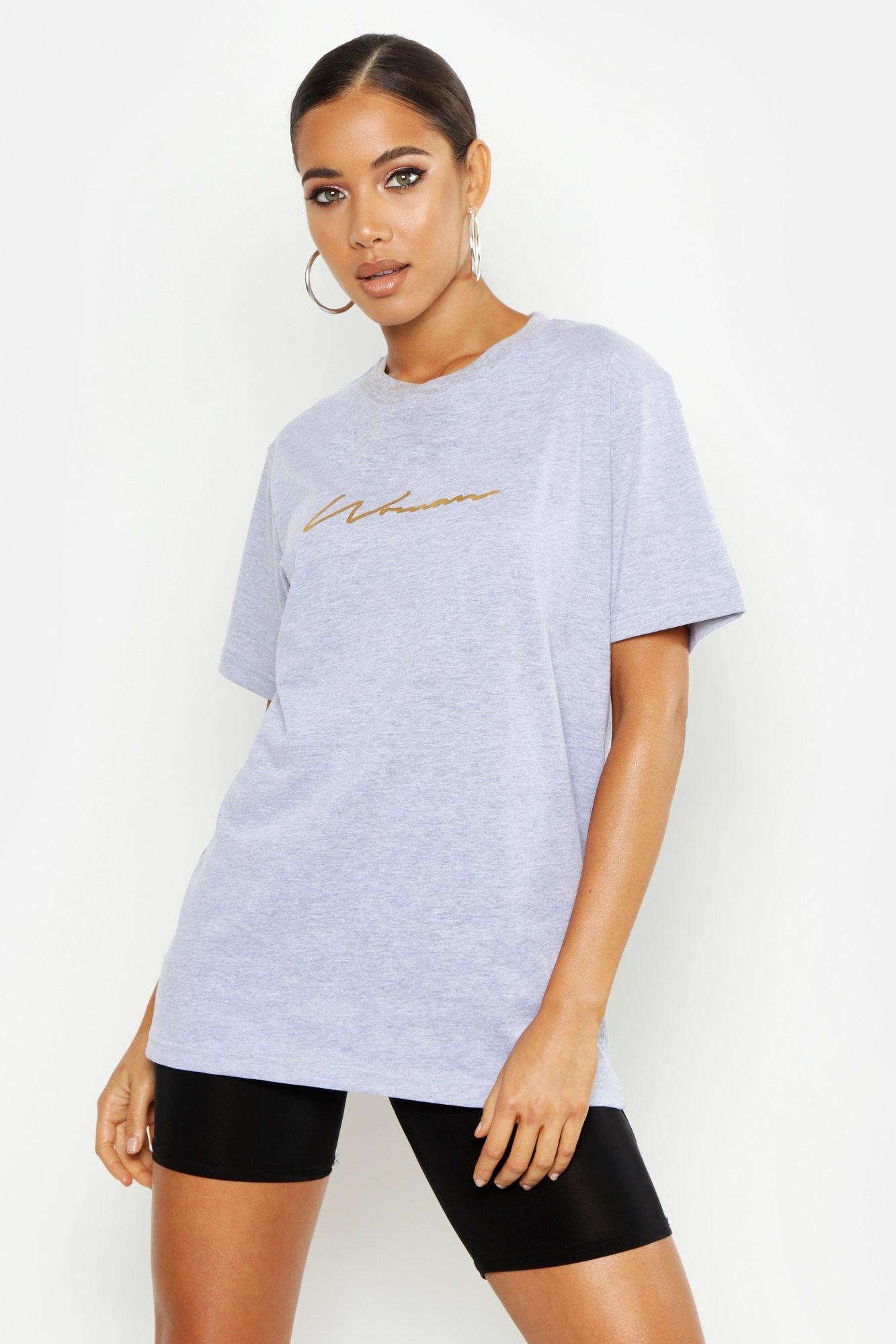 Womens T-Shirt mit Woman-Slogan aus Goldfolie - Grau meliert - 34, Grau Meliert - Boohoo.com