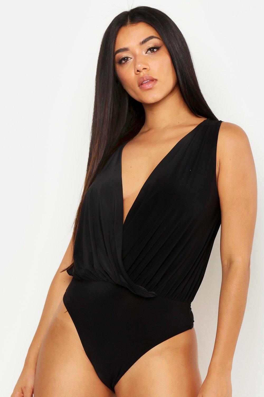 Womens Ärmelloser Wickelbody aus glänzendem Jersey - schwarz - 32, Schwarz - Boohoo.com