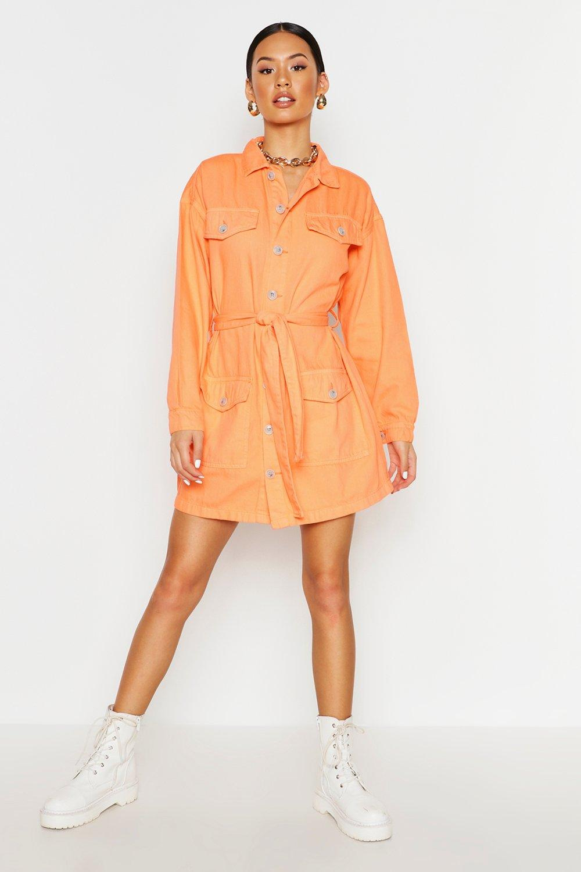 Womens Lockeres Utility Jeanskleid mit Taschen und Gürtel - Korallrot - 32, Korallrot - Boohoo.com