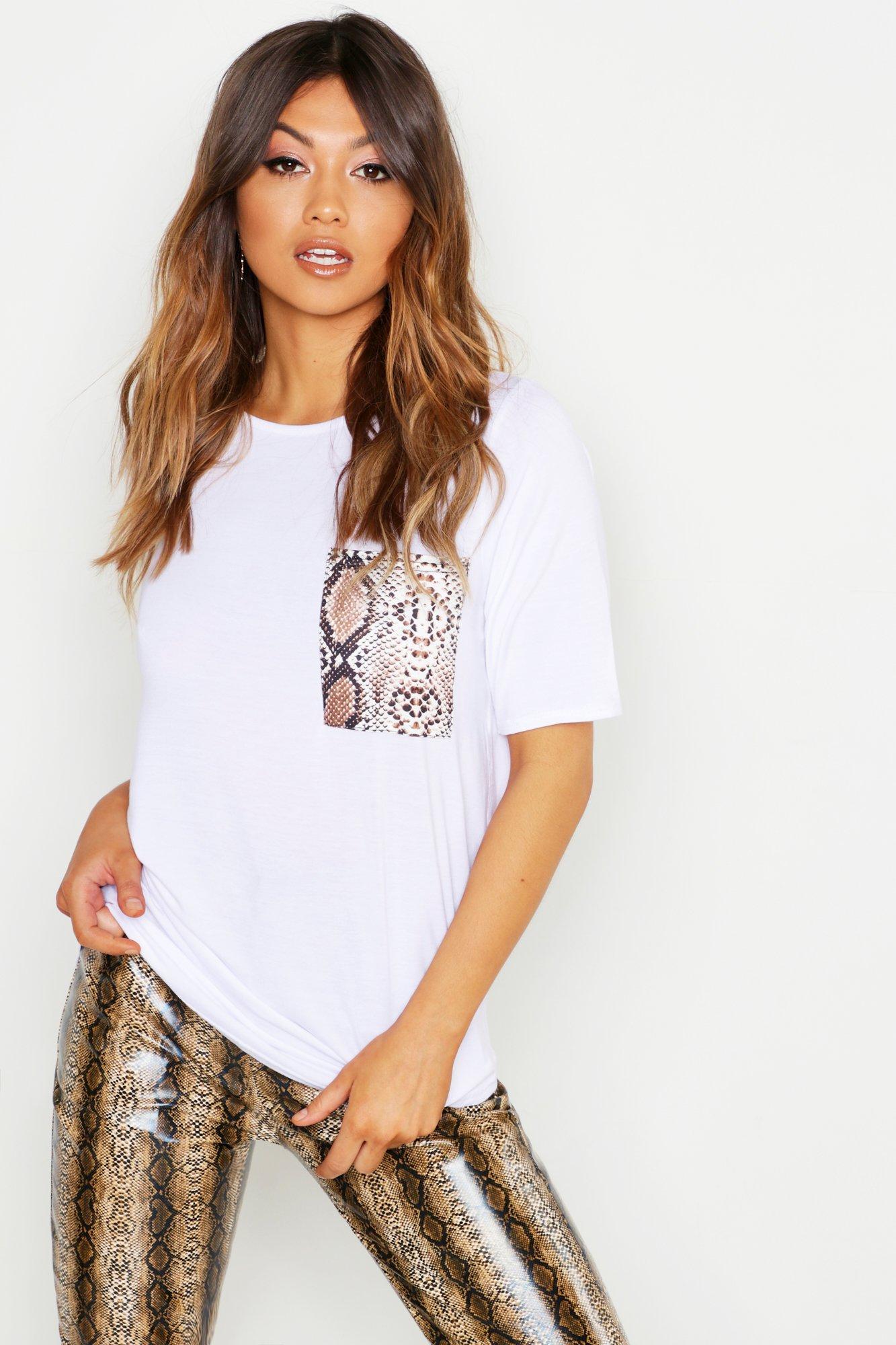 Womens T-Shirt mit Tasche in Schlangen-Print - Weiß - 36, Weiß - Boohoo.com