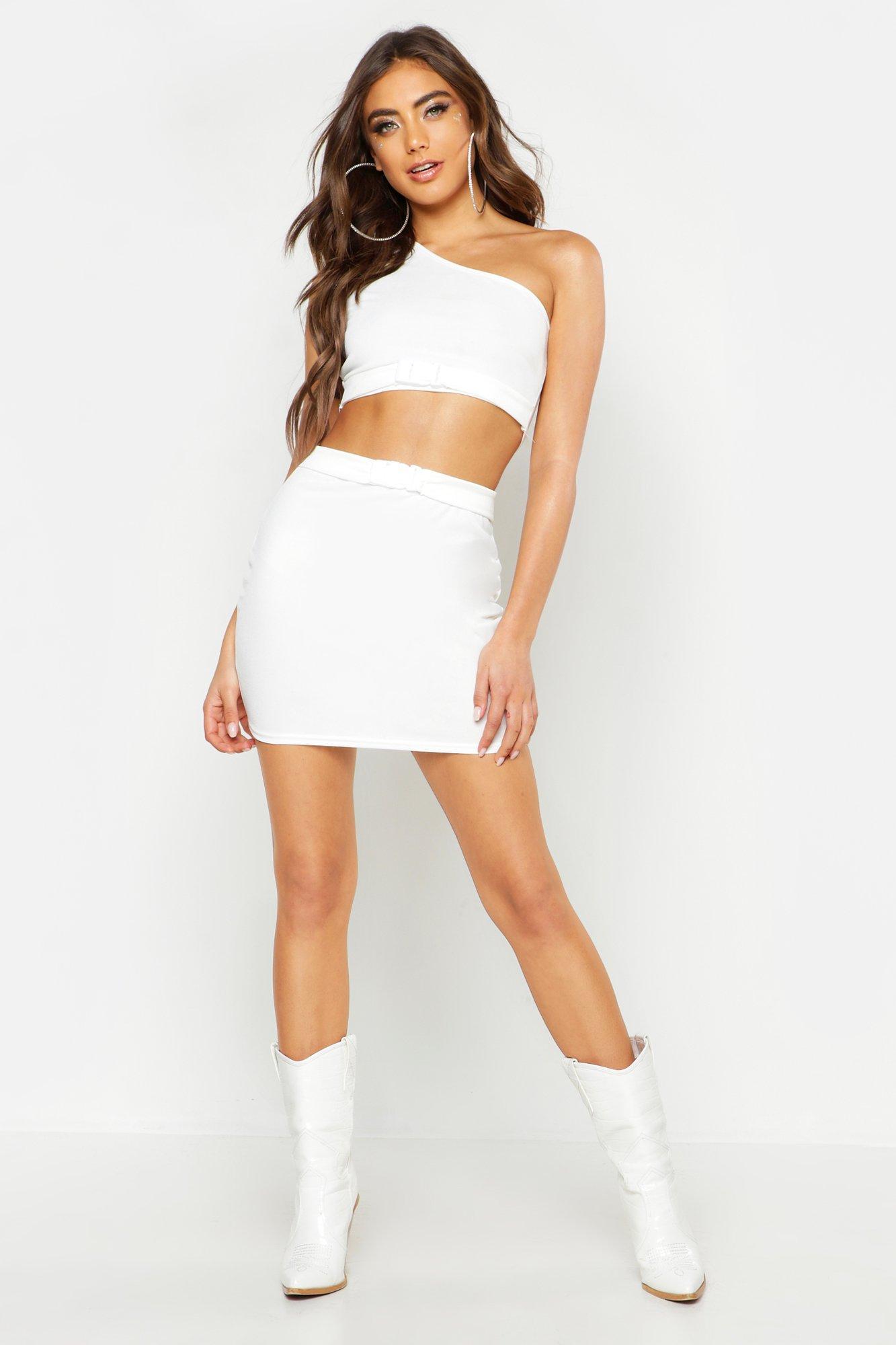 Womens Minirock mit Schnalle - Weiß - 40, Weiß - Boohoo.com