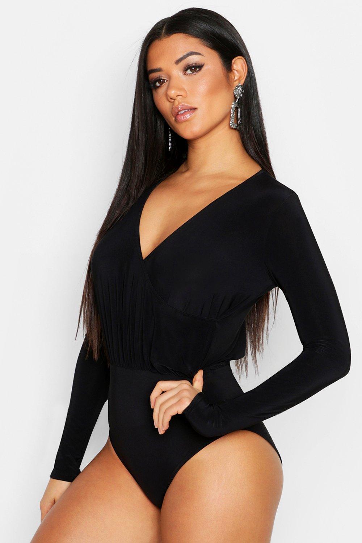 Womens Body aus glänzendem Jersey mit tiefem Ausschnitt - schwarz - 36, Schwarz - Boohoo.com