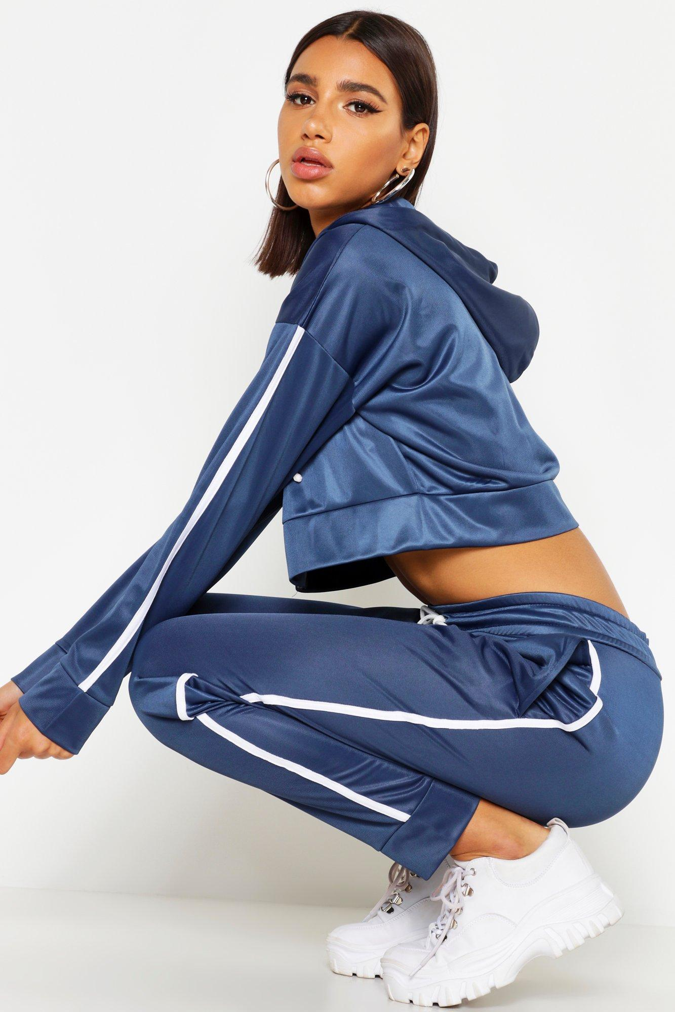 Womens Kurzer Trikot-Trainingsanzug mit Kapuze, durchgängigem Reißverschluss und seitlichen Streifen - Schiefergrau - 42, Schiefergrau - Boohoo.com
