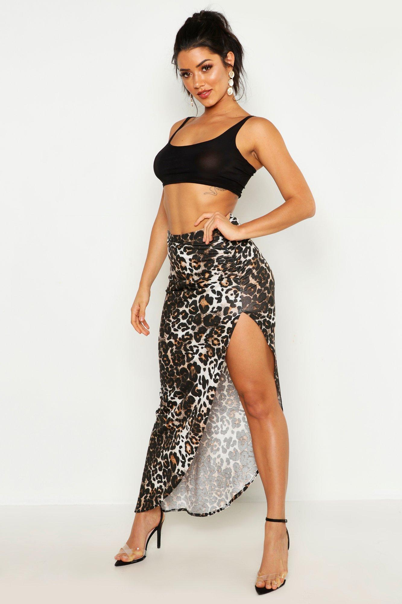 Womens Maxirock aus Jersey mit geraffter Seite und Leopardenmuster - Karamell - 34, Karamell - Boohoo.com