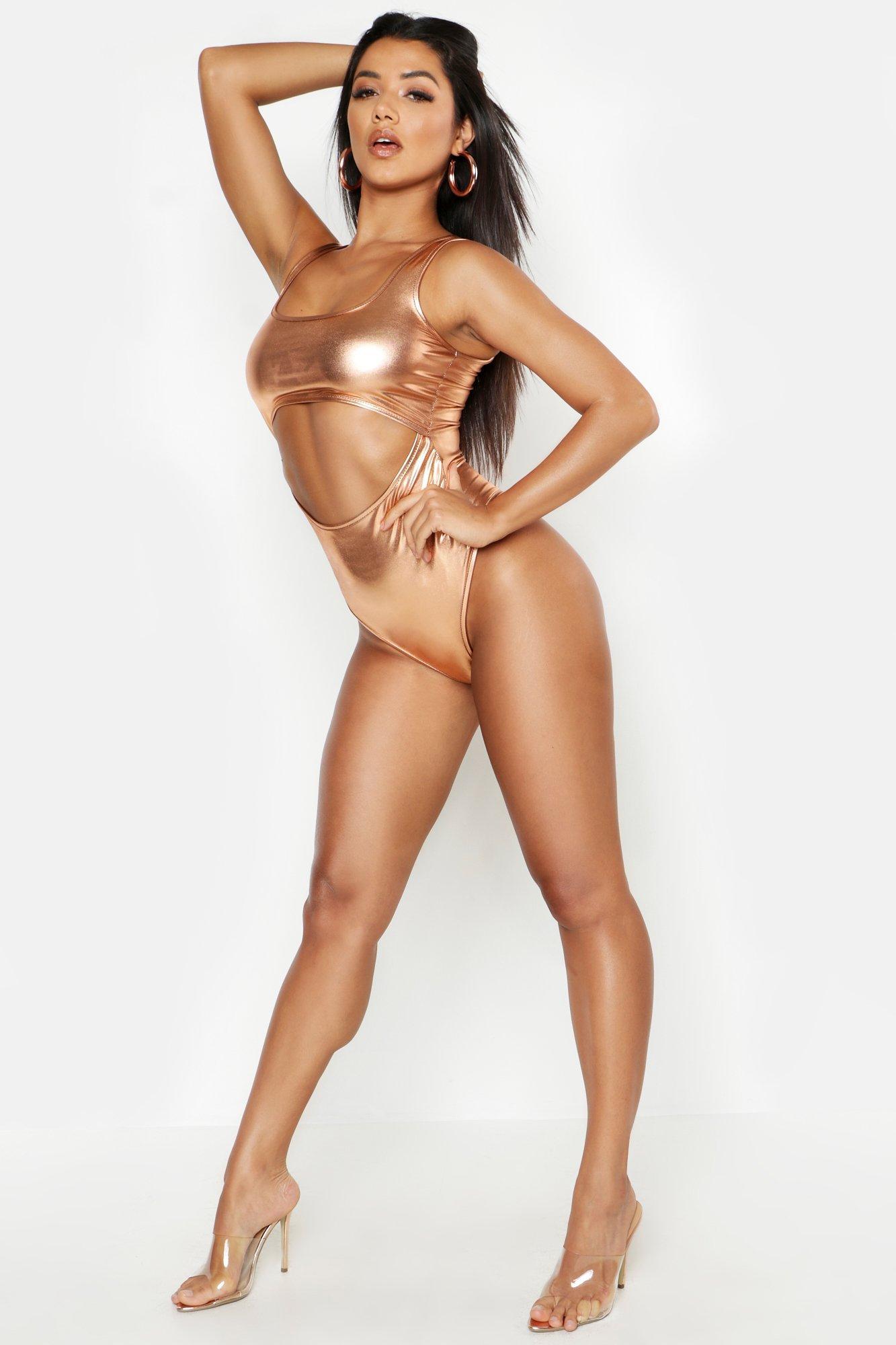 Womens Body in Metallic-Optik mit Cutout - Gold-Metallic - 36, Gold-Metallic - Boohoo.com