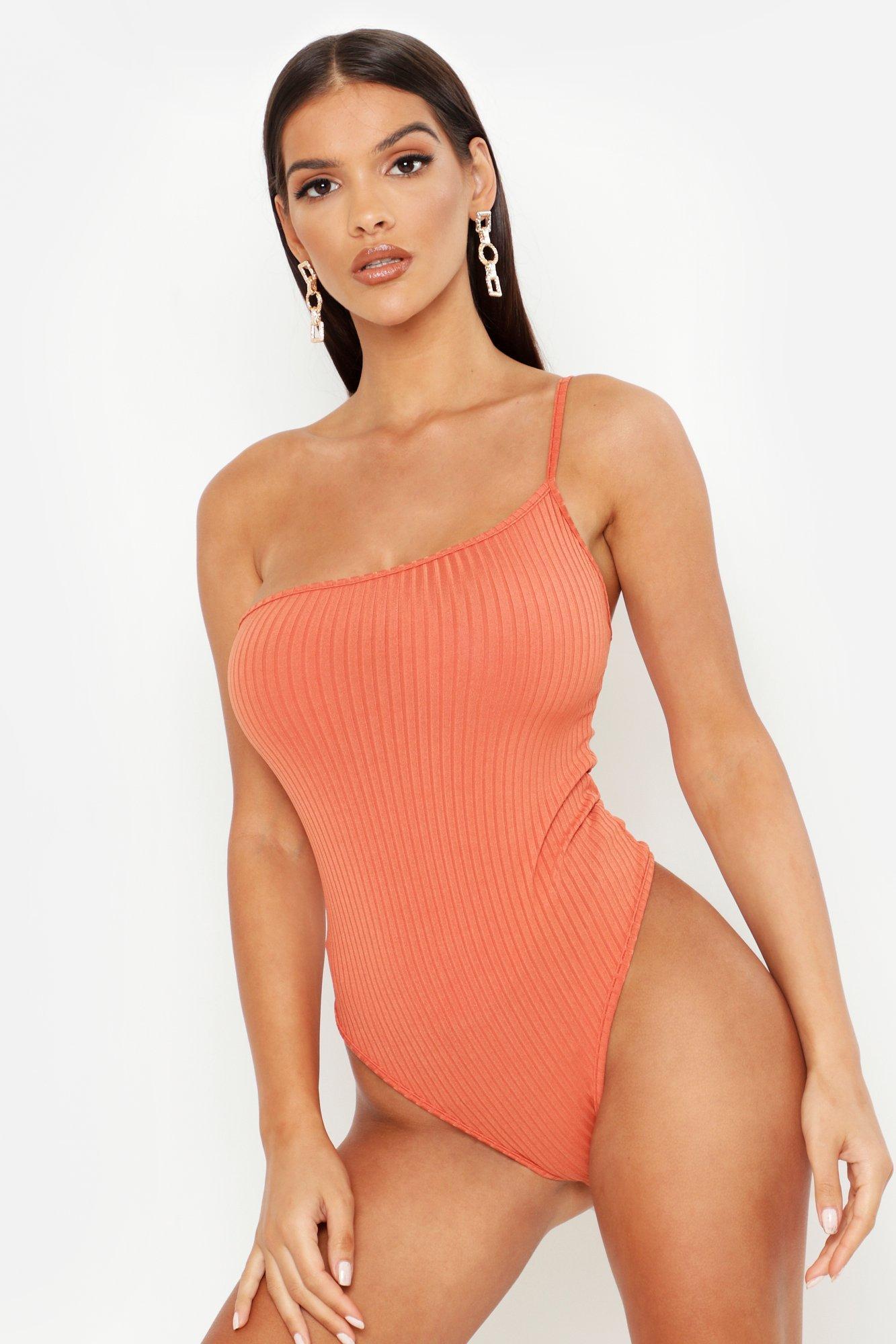 Womens Extra breit gerippter One-Shoulder-Body - Terrakotta - 38, Terrakotta - Boohoo.com