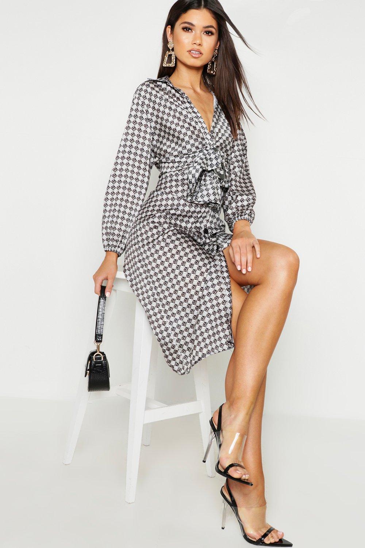 Womens Blusenkleid mit ovaler Schnalle und geometrischem Muster - schwarz - 40, Schwarz - Boohoo.com