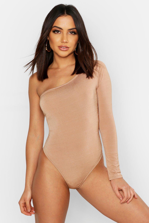Womens Langärmeliger One-Shoulder-Body aus glänzendem Jersey - kamelhaarfarben - 42, Kamelhaarfarben - Boohoo.com
