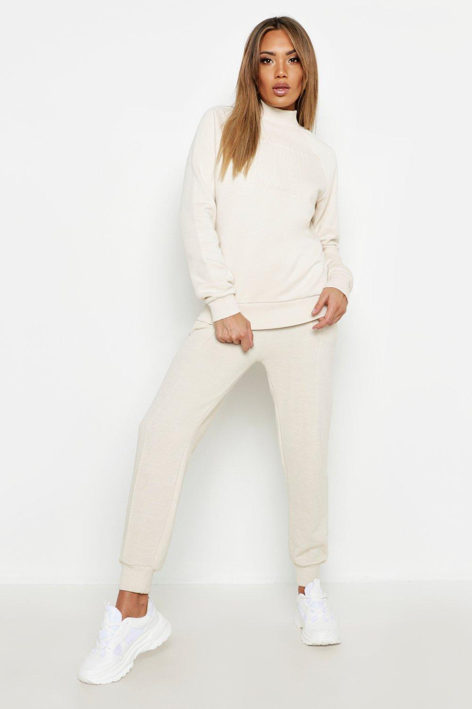 "Womens Oversized-Sweatshirt mit geprägtem ""Woman""-Slogan - Naturfarben - 36, Naturfarben - Boohoo.com"