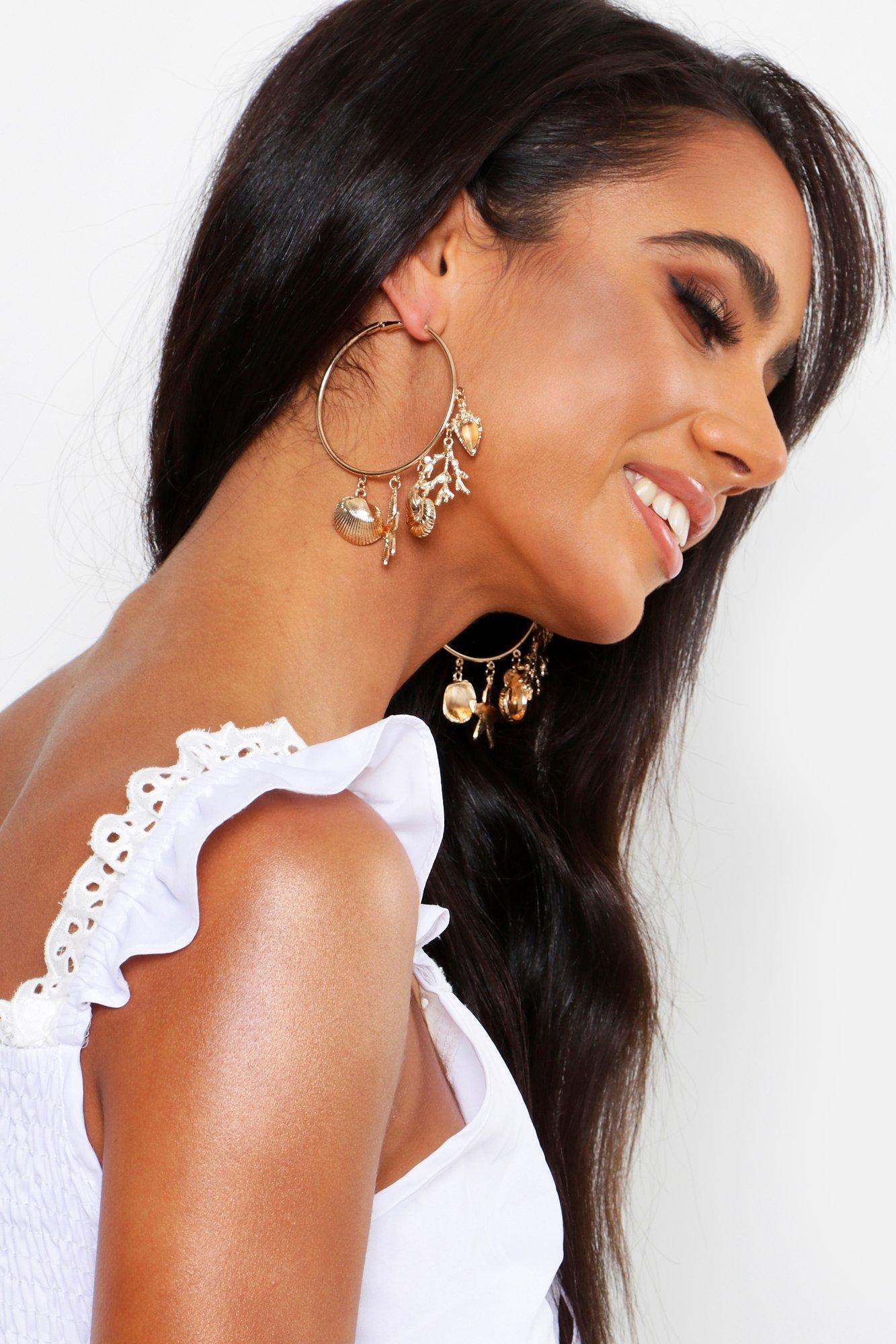 Купить Jewellery, Seashell Charm Hoop Earrings, boohoo