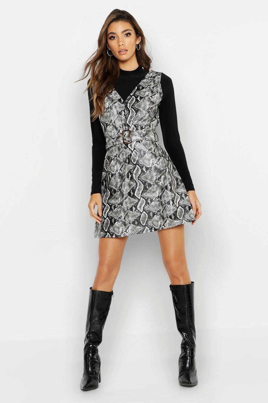 Купить К нам поступают платья, Платье с поясом из искусственной кожи со змеиным принтом, boohoo
