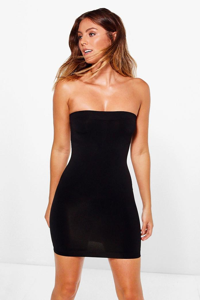 What shapewear the Kardashians wear under their bodycon dresses. And it is pretty achievable for non-celebs too.