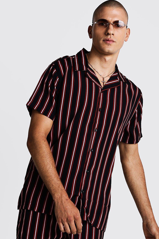 Рубашка оверсайз в вертикальную полоску с отложным воротником фото