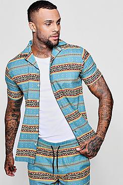 Camicia a maniche corte con colletto risvoltato e stampa azteca