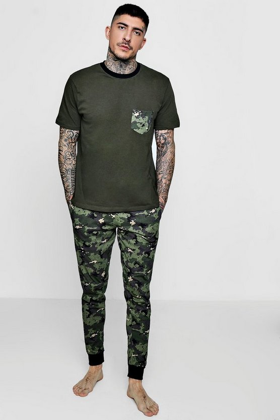 Slim Fit Pyjama Set In Camo