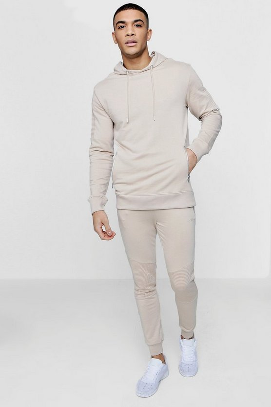 MAN Signature Tracksuit With Zipped Pockets