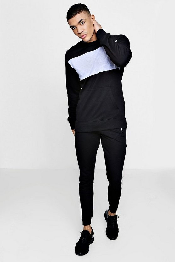 Man Signature Muscle Fit Panelled Tracksuit by Boohoo