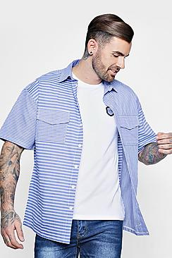 Camicia a righe con tasche a contrasto