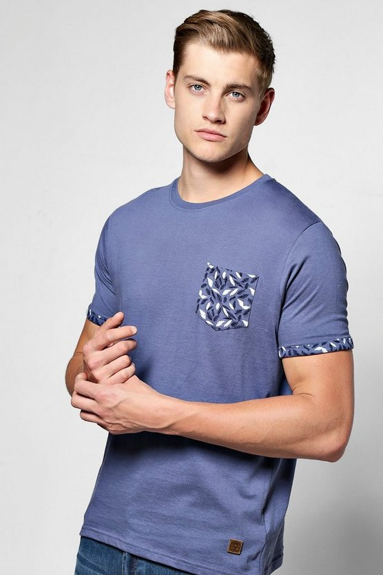 Feather Print Pocket T Shirt