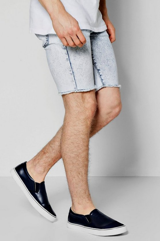 Bleach Wash Denim Shorts With Raw Edge
