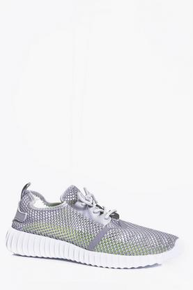 Loose Weave Mesh Runner Trainer