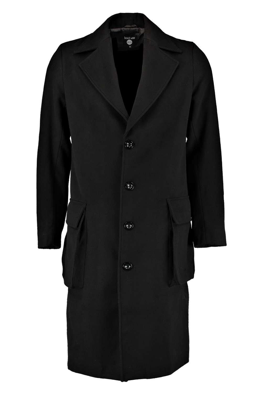 Klassisch, stylish und warm: Wenn der Winter näher rückt, so sollte ein Wollmantel auch für die Herren mit zum Arsenal gehören. Hier verbindet sich zeitlose .
